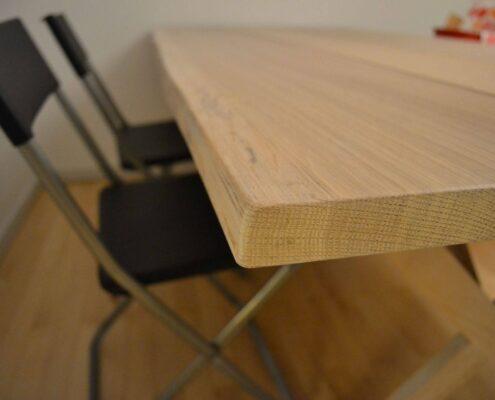 bord i massiv eg